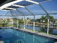 Wonderful house in Florida with huge pool and all necessary amenities, including children toys.