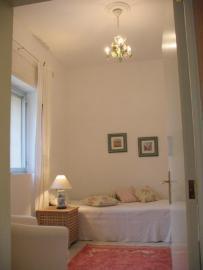 Schalfzimmer 2 mit Einzelbetten und SAT-TV