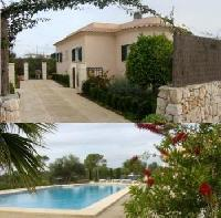 3 Km from Es Trenc Beach: exklusive vacation house, large pool, aircondition, internet + tennis free