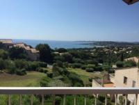 Appartment with perfect seaview of the Golf of Sainte Tropez. 300m to Sandbeach, 2 Pools in Garden
