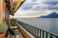 Accomodation for 4 persons with balcony, superb seaview and pool