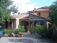In 2 apartments we offer room for 7 persons holiday home on a hill above Wine and Olivetrees