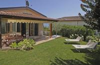 Villa with a sunny garden, barbecue, wonderful panorama, veranda. 2 big bedrooms, for 4-5 people.