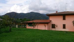 Villa Luciana has garden and two big flats