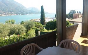 Balcony with beautiful panorama on the lake (Ap.2)