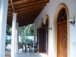 veranda in front