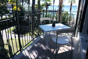 Apartment nr. 1: balcony and lake Garda