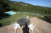 perfect for family or large group 5 bedrooms 4 bathrooms Tuscan/Umbrian border, pool  tennis