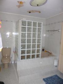 shower / bath / WC