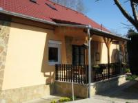 Holiday Apartment with 100 m² living space for 5 persons on Lake Balaton.